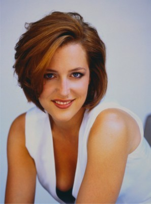 Gillian Anderson's Diet and Exercise Tips for Maintaining ...