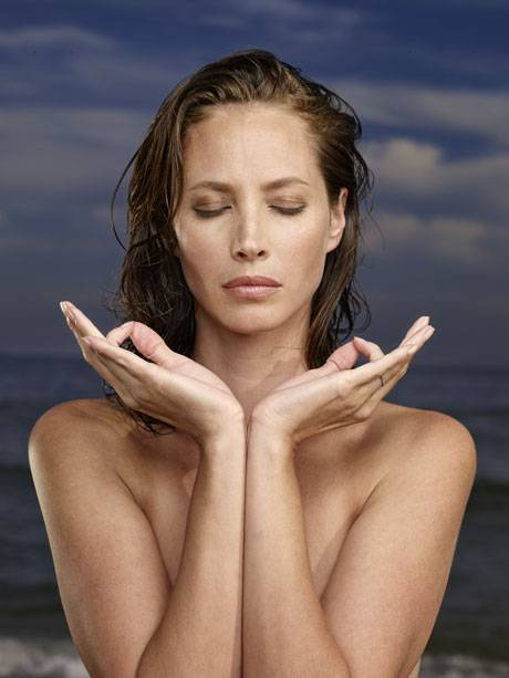 Christy Turlington's Diet And Exercise Secrets For Staying