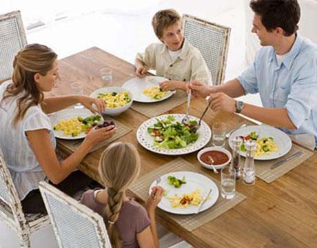 family-healthy-eating.jpg