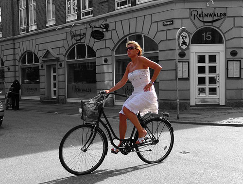 woman-bicicling.jpg